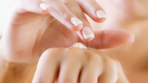 moisturizing hand skin